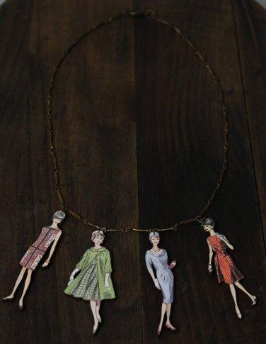 1960 Fashion Model Necklace Woman Wood Boards Oxidized Vintage Bronze Chain Statement Jewelry