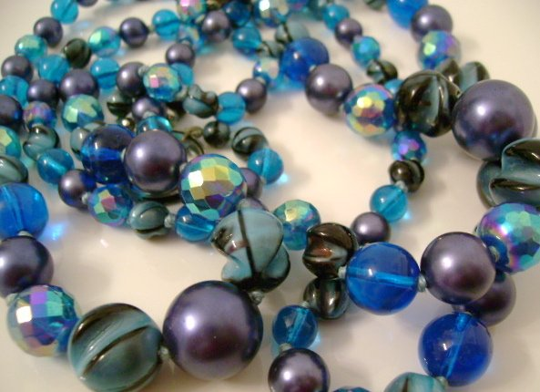 Vintage Necklace Blue 1950s Bead