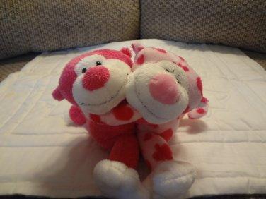 "2005 Ty Romeo & Juliet Hot Pink Hearts Hugging Monkey Plush 5"""