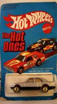 1981 HOTWHEELS 380 SEL SILVER DIECAST CAR, MINT ON CARD