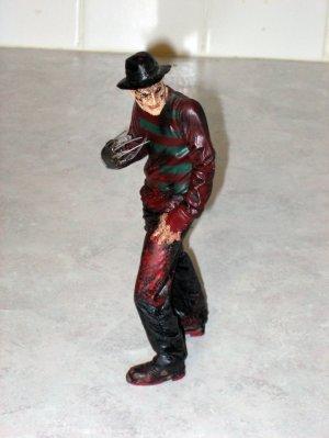 Movie Maniacs 4 Freddy Krueger A Nightmare on Elm Street Figure - 1999 McFarlane Toys (Loose)