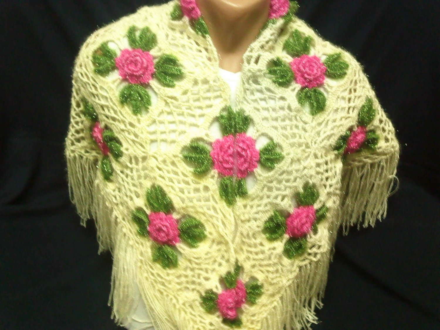 handmade beatiful shawl for wedding and party it is very pretty