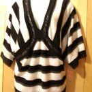 LADIES SWEATER TOP BLACK AND WHITE SIZE 3X
