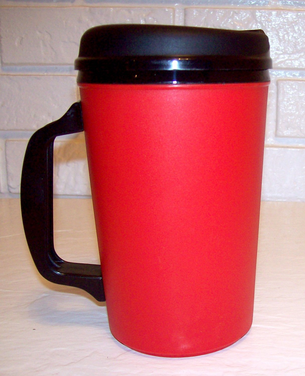 Red 34 Oz Formerly Aladdin Insulated Mug