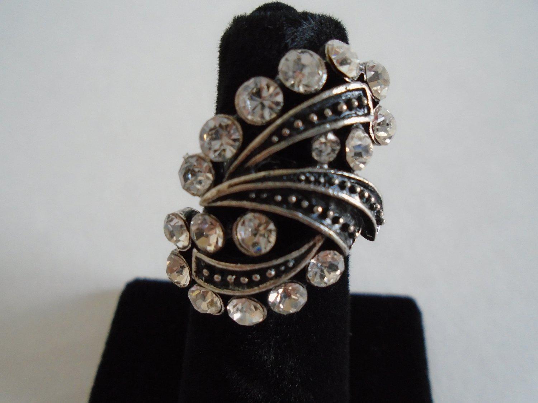 Vitnage Costume Wrap Around Ring - Elegant Black Frame with Crystals