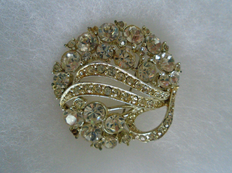 Elegant Sparkling Vintage Costume Brooch / Pin