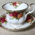 Royal Albert Bone China Old Country Roses Tea Cup and Saucer EUC Ship Fast