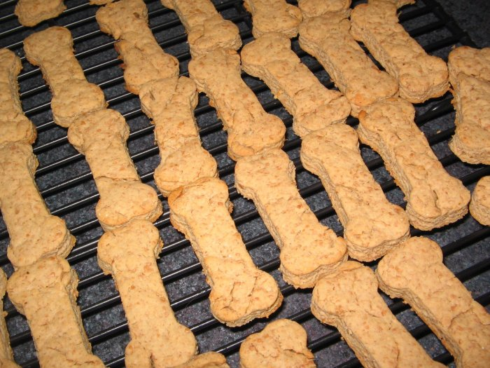Organic Peanut Butter Dog Biscuits, Small (45-50 count)
