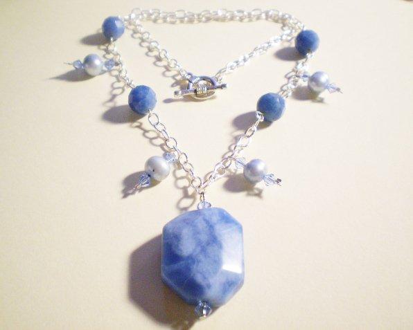 Blue quartz and pearl necklace