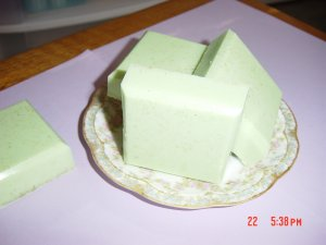 TEA AND LEMON HANDMADE SOAP - 4 oz. Bath bars