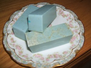 LILAC AND CHAMOMILLE HANDMADE SOAP - 3oz. Bar