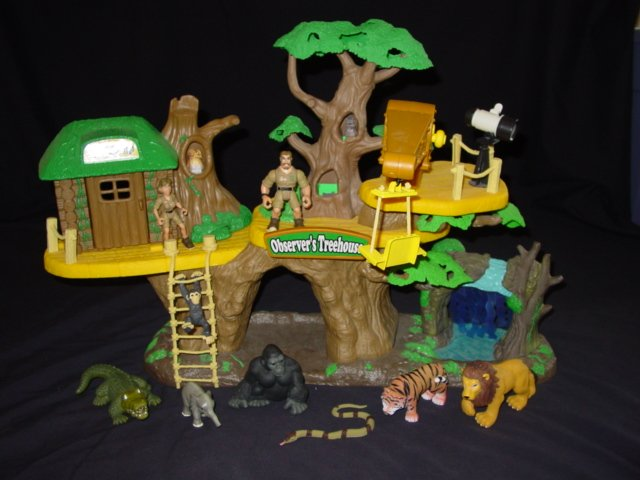 Animal planet jungle fortress treehouse playset for Classic jungle house for small animals