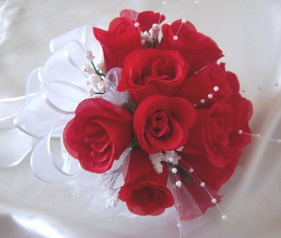 """10"""" Round Red Rose Buds Bride/Bridal Bouquet - Wedding -"""