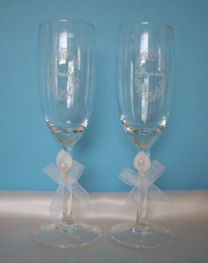 Bride and Groom White Calla Lily Toasting Champagne/Wine Flute Glasses - Wedding