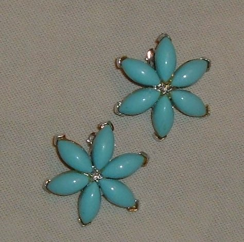 Vintage Earrings by Star - Faux Turquoise Flowers