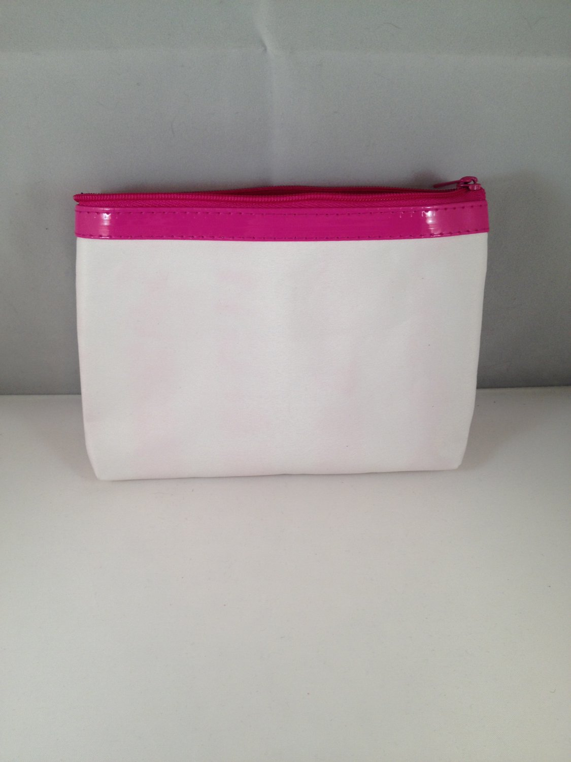 Ipsy MyGlam Glam Bag Pretty in Pink April 2013 White Cosmetic case clutch empty