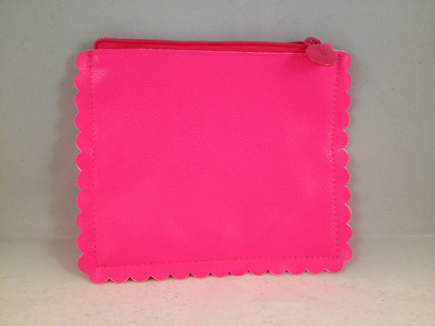 Ipsy MyGlam Glam Bag Sensationally Sunkissed July 2014 Cosmetic clutch Hot Pink Faux Leather