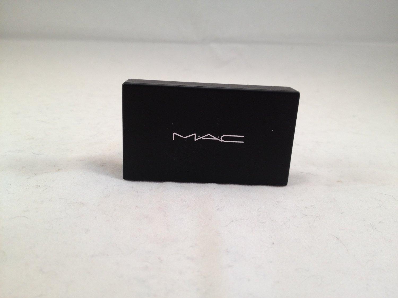 MAC Cosmetics Eye Shadow Suite Shallow V. Deep eyeshadow