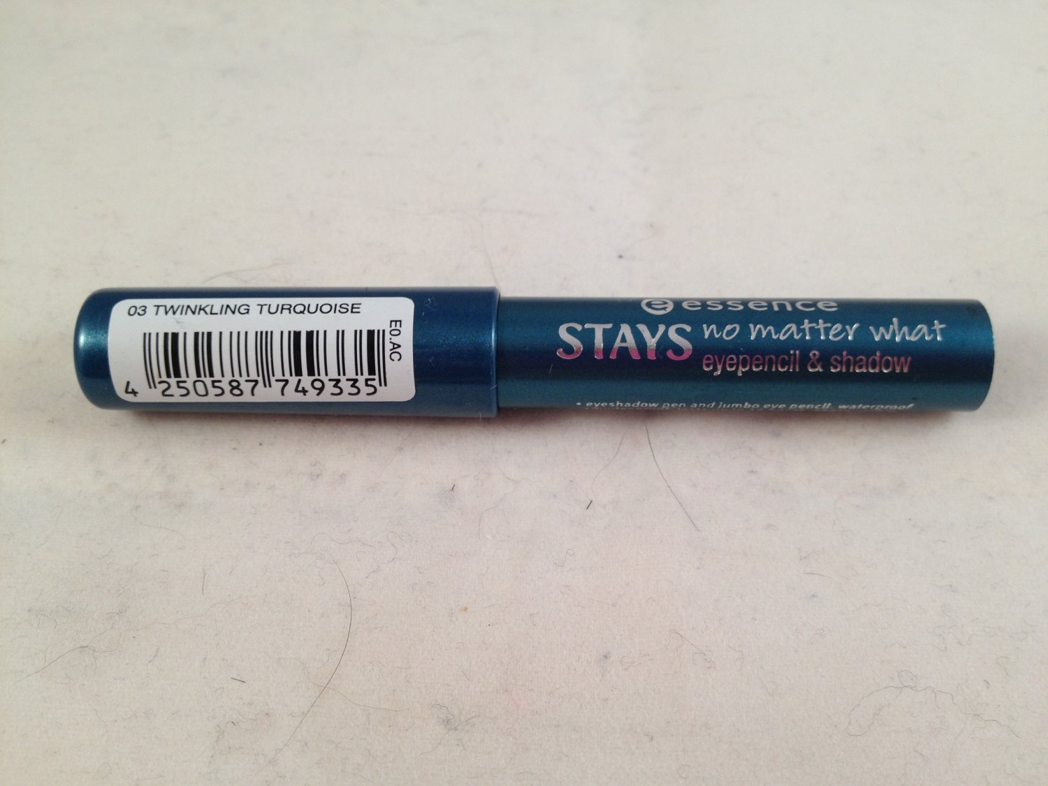 Essence Stays No Matter What Eye Pencil & Shadow #03 Twinkling Turquoise liner eyeliner eyeshadow