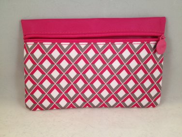 Ipsy MyGlam Glam Makeup Bag #IPSYLOVE February 2015 Pink White Gray Diamond cosmetic love clutch