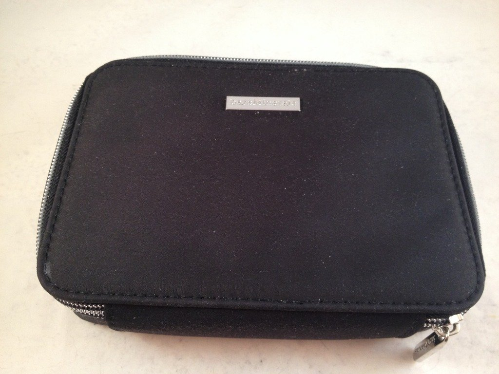 Bare Escentuals bareMinerals Limited Edition Keepsake Makeup Clutch Black Zippered Dump Bag Case