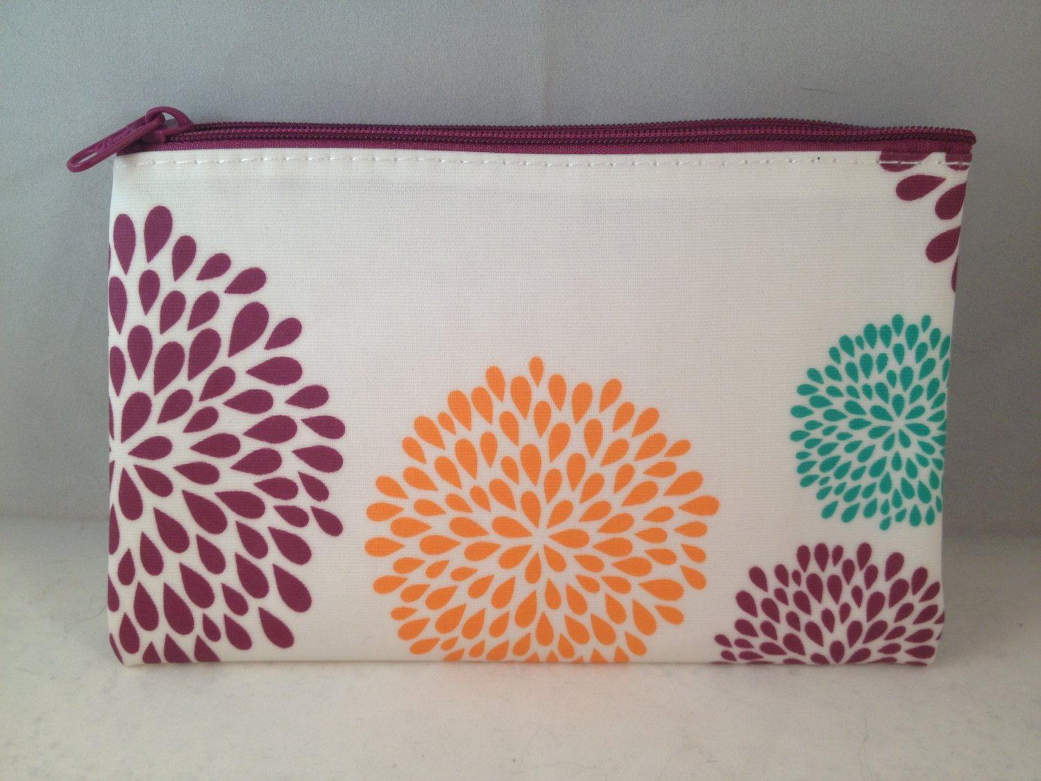 Poise Travel Bag makeup clutch empty zippered toiletry