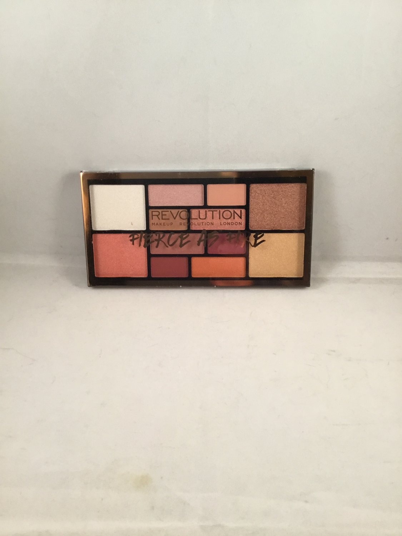 Makeup Revolution Beauty Fierce As Fire Palette Face Eyeshadow Highlighter Blush Pigment