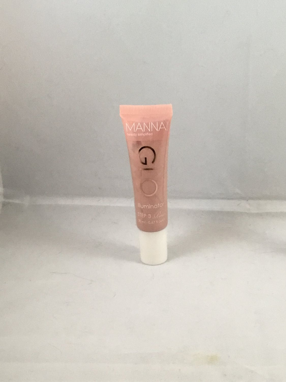 Manna Kadar Glo Illuminator Liquid Highlighter
