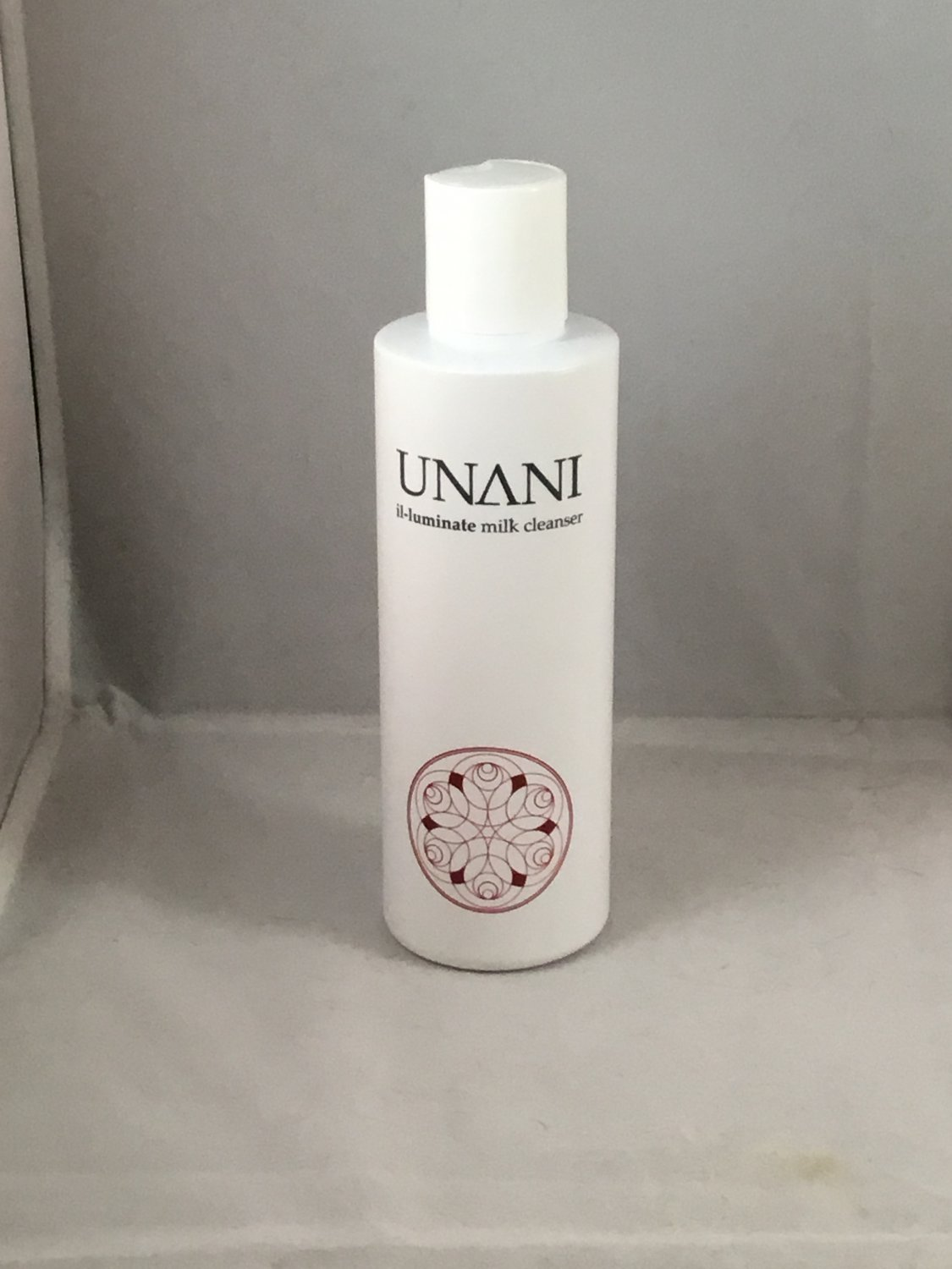 Unani Il-luminate Milk Cleanser Facial Gentle Cleansing Face