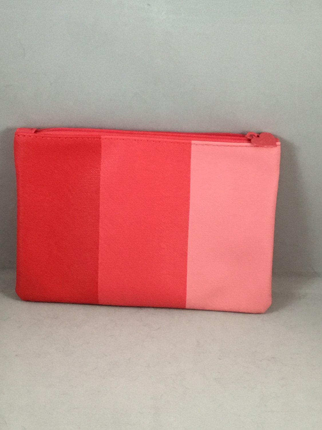 Ipsy MyGlam Glam Bag June 2018 Flying Colors Cosmetic case purse Pink