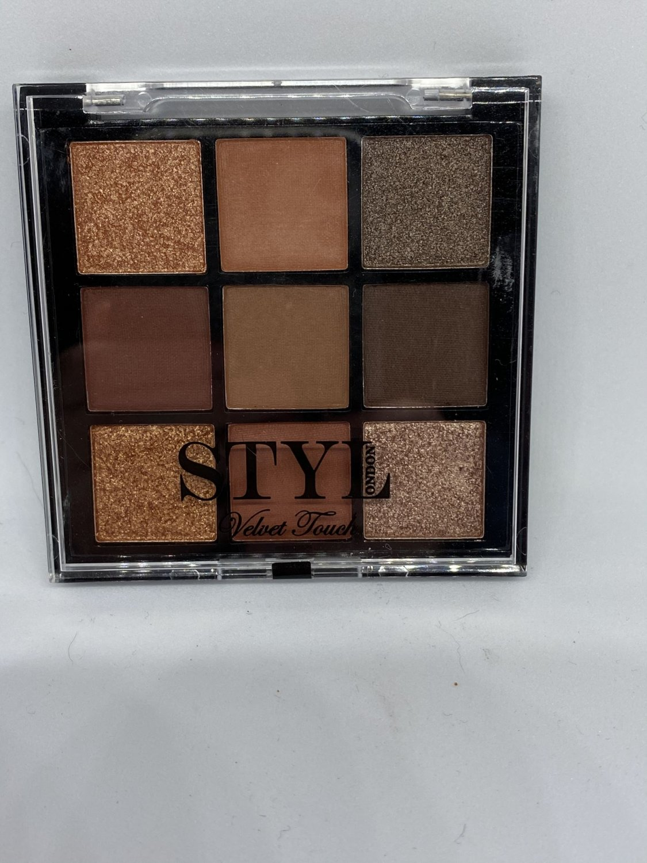 STYLondon Velvet Touch Eyeshadow Palette Hypnotic Eyes STYL London