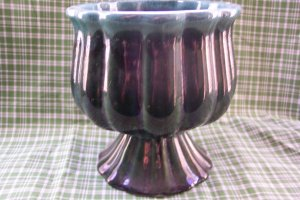 Hull Art Pottery, Vintage Green, marked, hull uSa, F 88. Great Design!