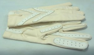Vintage Ivory Aris Isotoner Gloves: Sz Sm/Med, Perfect Condition