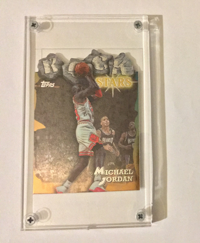 Mint Michael Jordan 1997-98 Topps Rock Stars Refractor #RS1 Card