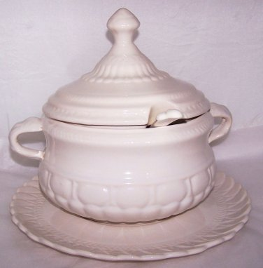 Vintage Soup Tureen w Tray & Ladle Mid Century 1960s 70s Entertaining Catering