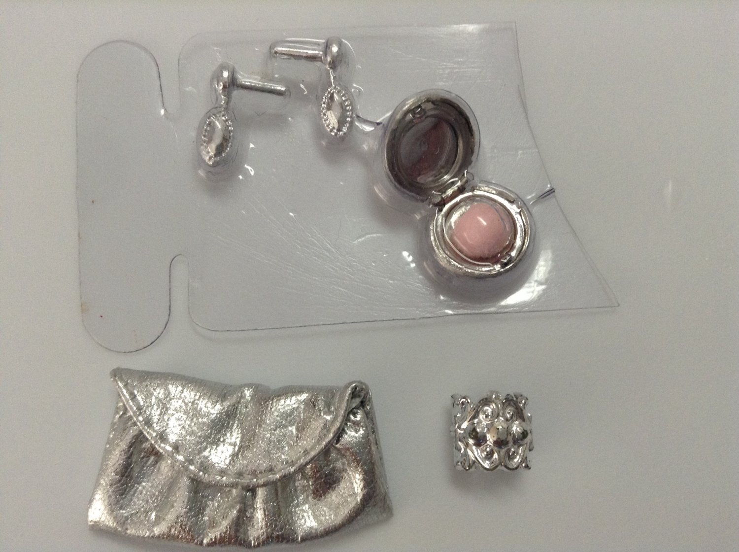 The Barbie Look Accessory Set