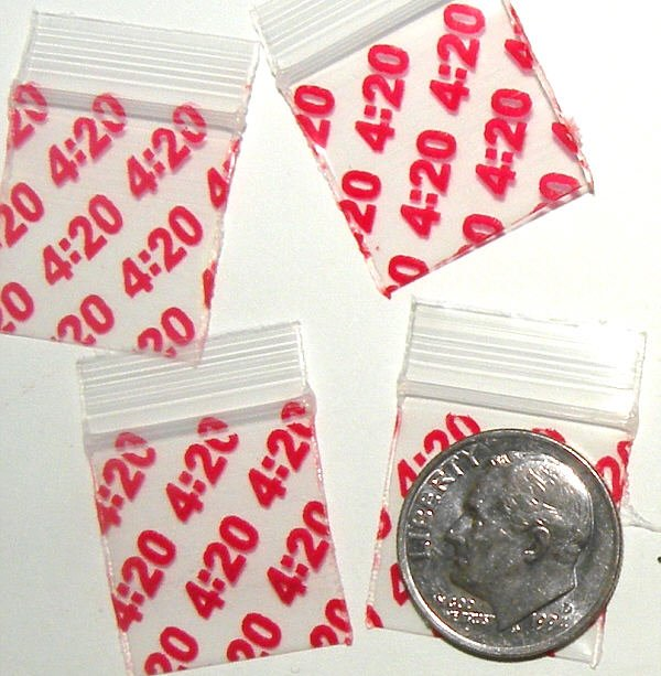 200 It's 4:20 Baggies 3434 Apple® Brand Bags 0.75 x 0.75 inch