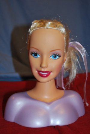 Mattle Beautiful BARBIE Styling HEAD Toy EUC