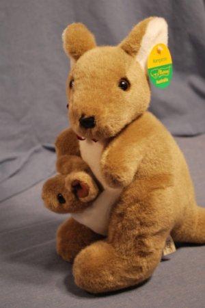 "NEW Kangaroo & Baby Joey Uni-Toys Uniring Austraila 14"""