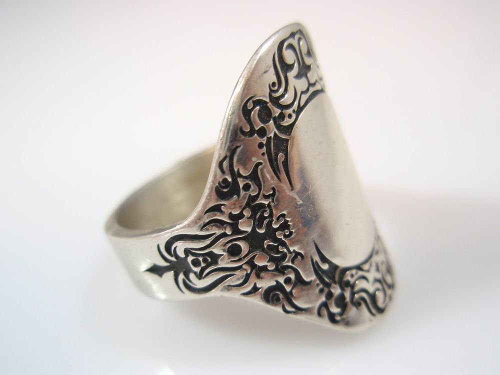 Victorian oval signet Ring Solid Sterling Silver 925 by ezi zino