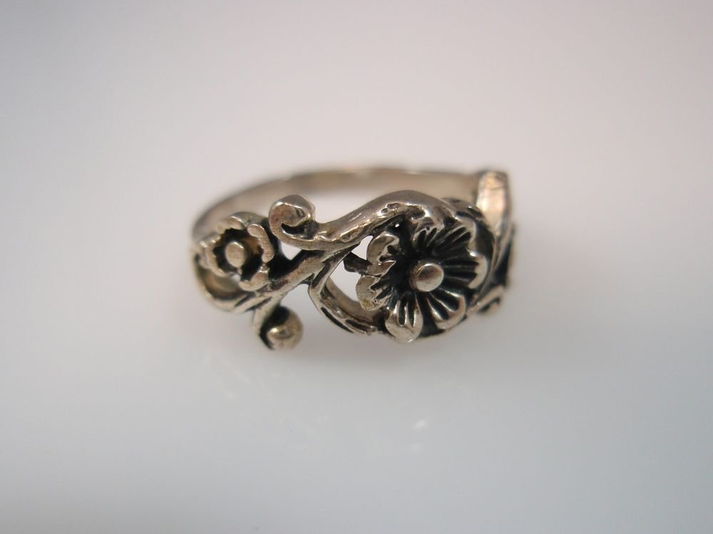 Floral Romance sterling silver 925 ring