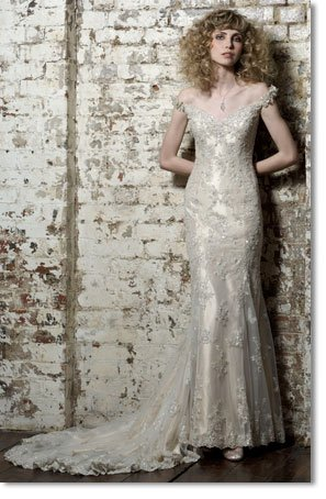 Free shipping fashion lace off shoulder wedding dress 2011 EC160