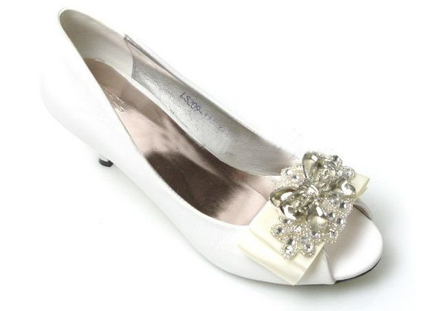 swarovski crystals and rhinestone shiny wedding shoes S014
