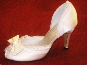 swarovski crystals and lace wedding shoes S020