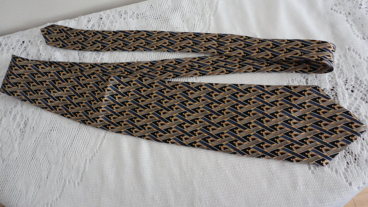 Vintage Black,Blue & Gold Design Silk Necktie Orvieto Made in Canada
