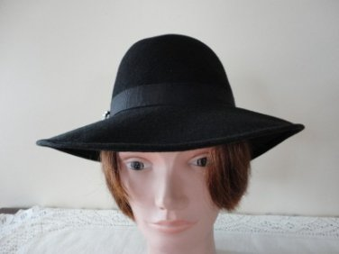 Vintage Black Doeskin Wool Felt  Women Hat 21 1/2  Small Chapelier Artistique
