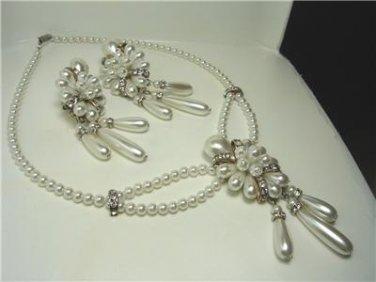 Vintage Faux Pearl Bridal Necklace / Clip Earrings