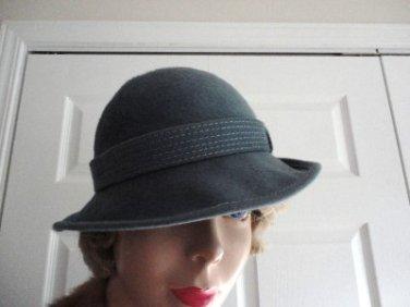 Vintage Teal Felt Women  Hat XS 21 inches 60s Boutique Kates