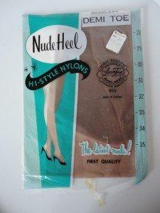 Vintage Light Brown Nylon Stockings Seamless Mesh 9½-32  Nude Heel Demi Toe NOS