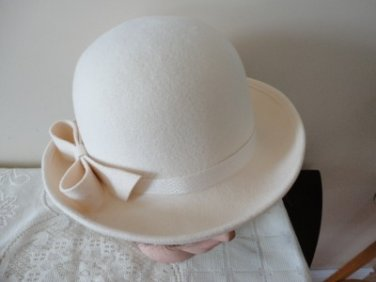 Vintage Cream Doeskin 100% Wool Felt  Women Hat 21 Extra Small